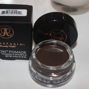 REVIEW: Anastasia Beverly Hills DipBrow Pomade