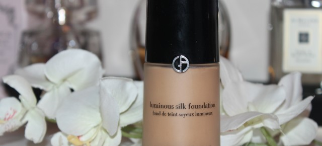 REVIEW: Giorgio Armani Luminous Silk Foundation