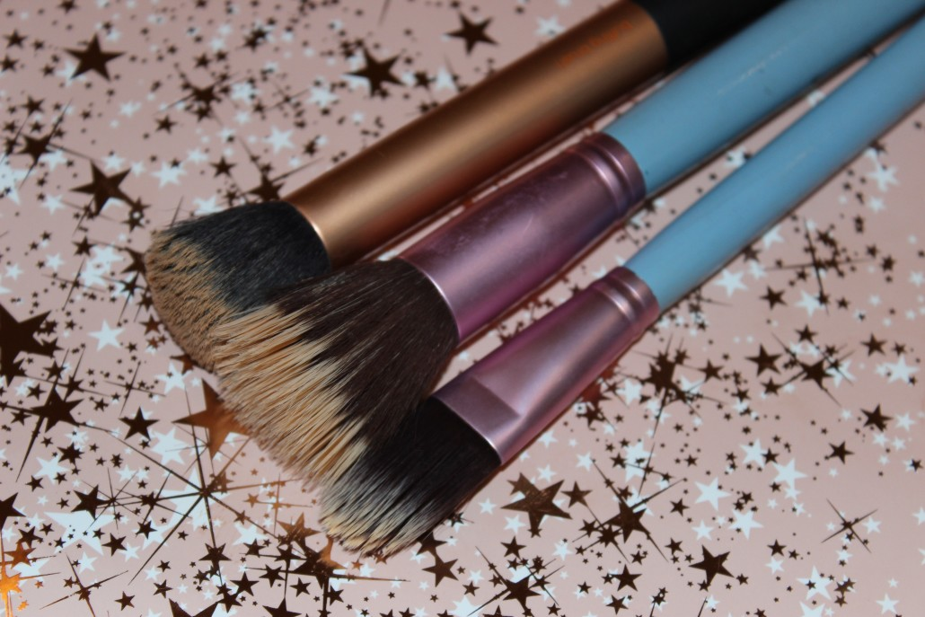 Top 10 Essential Makeup Brush Foundation