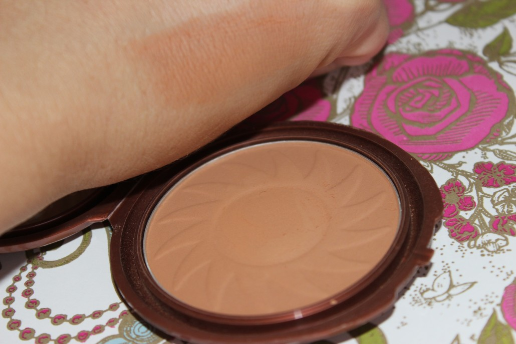 July 2015 Favourites NYC Smooth Skin Bronzing Face Powder Sunny Swatch