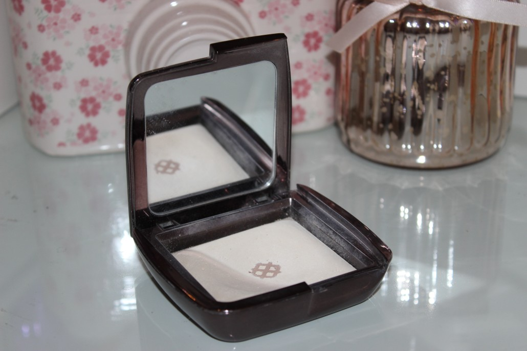 Oct 15 Favourites Hourglass ambient lighting powder diffused light