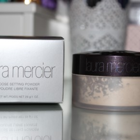 REVIEW: Laura Mercier Loose Setting Powder