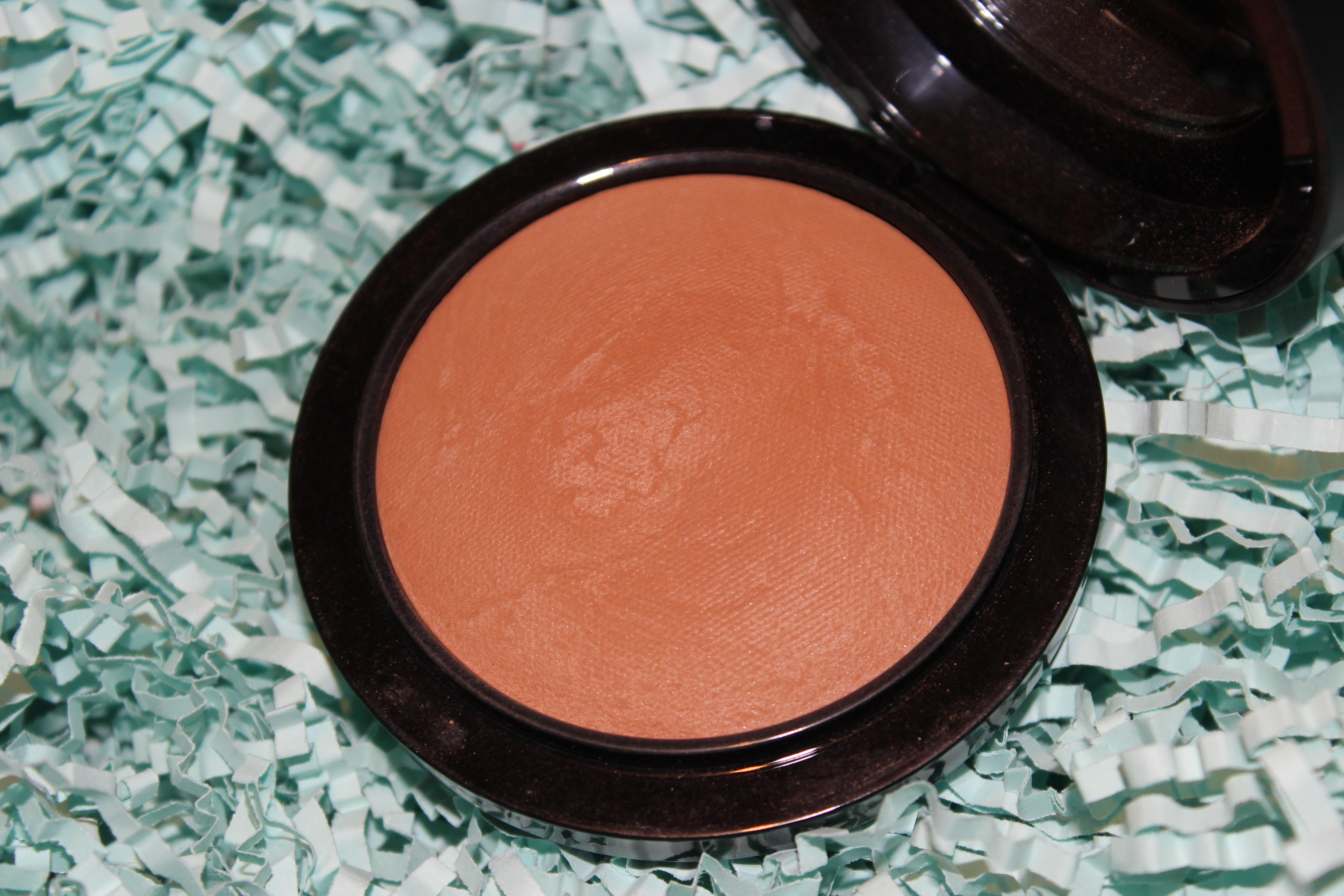 Adorn.ie Dec15 Monthly Favourites Mac Mineralize skinfinish give me sun close up