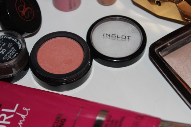 Products I cannot live without inglot blush
